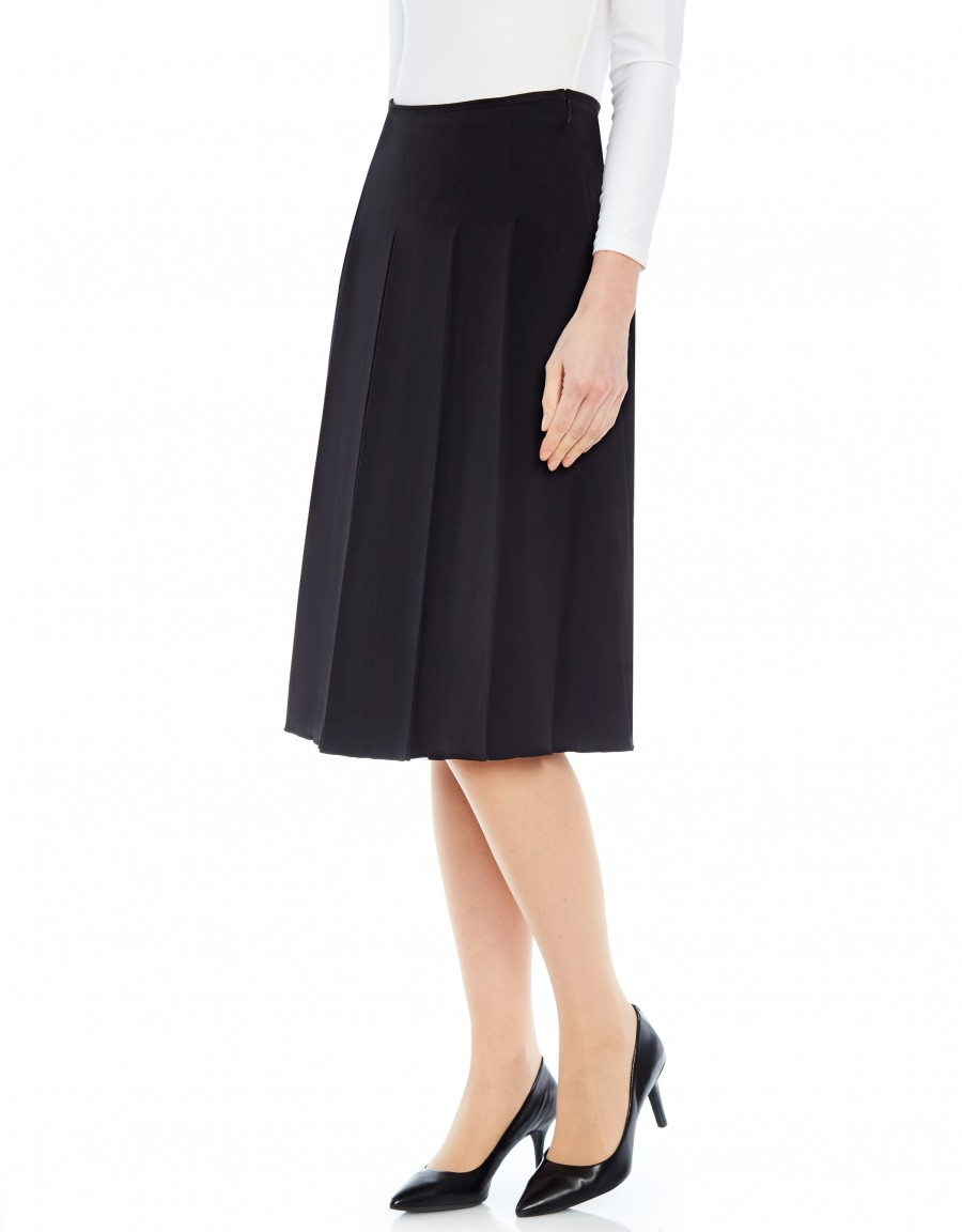"""26"""" Skirt with Wide Pleats Black"""